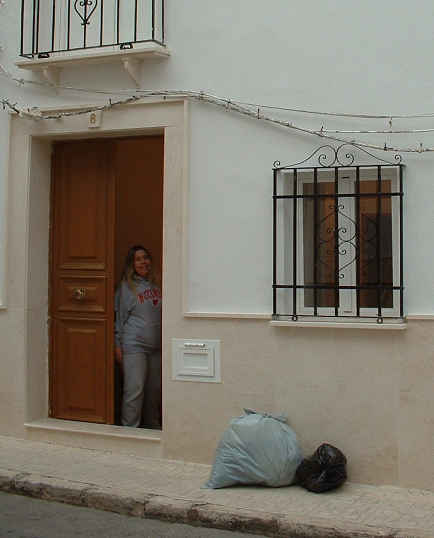 Buying a property in Spain. Kim working hard.